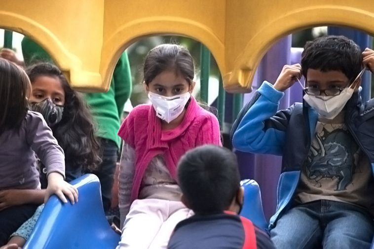 kids-with-masks